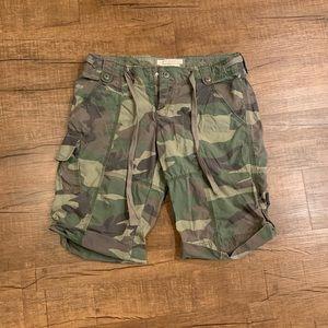 Abercrombie Camouflage Capri Shorts